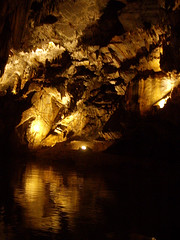 penn's cave.3 (kimberly_abruzzo) Tags: roadtrip cave pennscave watercave livingcave cavetourpennsylvania