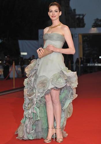 Anne Hathaway in Versace