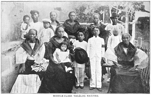 Middle-class family wearing traditional dress costume Philippine old pictures photograph black and white Philippines Buhay Pinoy Filipino Pilipino  people photos life Philippinen