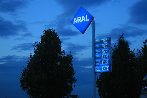Stuttgart Anreise Aral blau