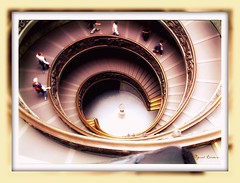 Roma -Vatican Museum Spiral Stairs (Miguel Tavares Cardoso) Tags: italy vatican rome roma museum stairs spiral travels italia museu vaticano homer odyssey picturesque picnik miguelcardoso miguelcardoso2008 vaticanmuseumspiralstairs migueltavarescardoso