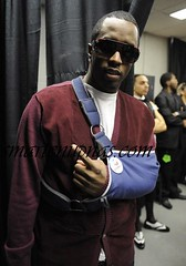diddy arm in a sling