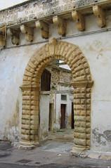 Galatina - Sbirciando... - 01 Portone (farsergio) Tags: italy house casa italia puglia lecce ingresso portone galatina farsergio yourcountry