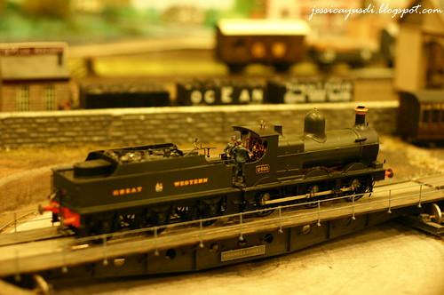model-train16