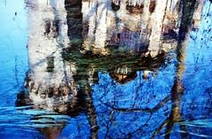 riflessi  sul canale 1990 TREVISO (aldofurlanetto) Tags: riflessi castello 1990 sul canale