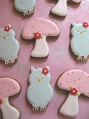 Baby Owl & Mushroom Gingerbread Cookies (Pinks & Needles (used to be Gigi & Big Red)) Tags: christmas baby bird mushroom cookies baking holidays gingerbread polkadots kawaii owl dots 2008 babybird decorated week50 babyowl royalicing bakingjournal