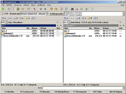 Bal oldalt az FTP kapcsolat, jobb oldalt az FTP oldal mappája a helyi meghajtón