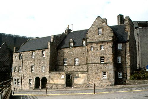 Aberdeen - Provost Ross House - flckr - roger4336