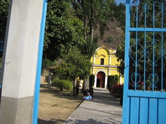 Iglesia Santiago Patlanala (@lvee) Tags: trees windows people mountains church yellow mexico arbol doors iglesia amarillo walkway oaxaca bushes bluegate silacayoapan santiagopatlanala