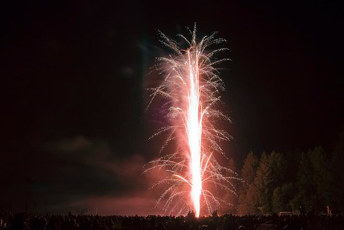 Wowing The Crowd - Independence Day fireworks in Stayton Oregon