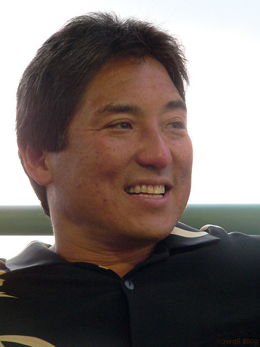 Guy Kawasaki Discloses Ghost Writers, Defuses Issue