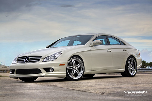 Mercedes Cls550 White. Mercedes Benz CLS 550 on
