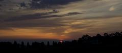"""""""siluetas al amanecer"""" (Tinta China2007) Tags: viaje sol amanecer coche alas nubes fuego liladowns naranjas caetanoveloso volar rojos quemar musiquita"""