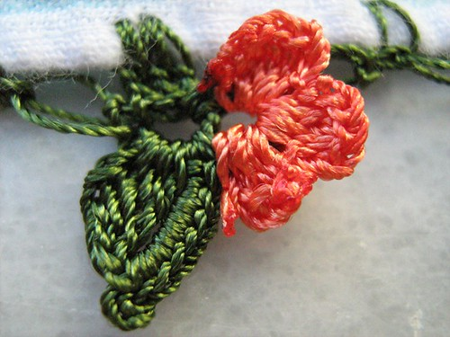 2761641087 e72c55b09a Güllü Çiçekli Yemeni Oyaları