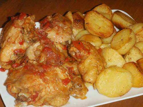 chicken with red pepper sauce