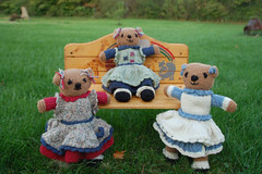 Gracious Bears (Poopshe_Bear) Tags: bear toys knitting dolls handmade knit handknit softies teddybear knitted