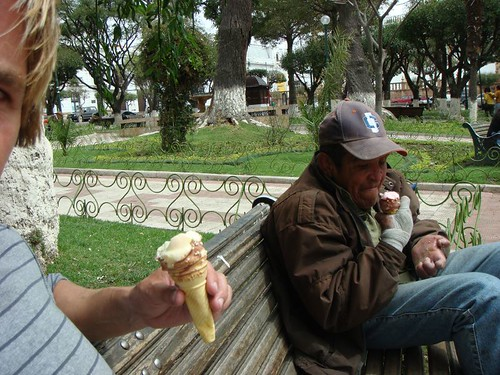 Roberto and I at the main plaza, Sucre - Bolivia.