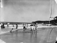 Coogee Beach (Powerhouse Museum Collection) Tags: beach nudes 1900 bathing coogee powerhousemuseum tyrrell xmlns:dc=httppurlorgdcelements11 dc:identifier=httpwwwpowerhousemuseumcomcollectiondatabaseirn29632 charleshkerry