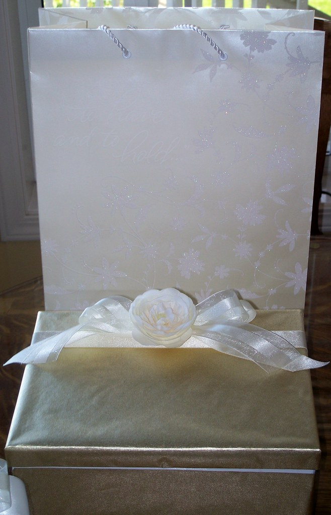 My handmade wedding gift box, with gift bag.