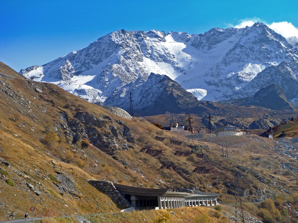 how to get to val thorens