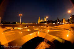 A vista de llanta (Berts @idar) Tags: zaragoza photowalk 8mm fz peleng espaa peleng8mmfisheye canoneos400ddigital xatakafoto pendientesdeetiquetar photowalkxfzaragoza ¹⁄₁₅sec