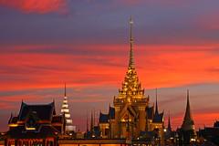 Sunset in Bangkok (Bertrand Linet) Tags: sunset sky thailand pagoda bangkok stupa tailandia thai 5photosaday thalande colourartaward bertrandlinet