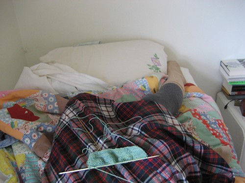 knitting plaid bed