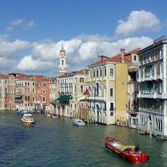 Los bomberos (pibepa) Tags: italy canal italia eu viajes nubes turismo venecia bomberos nube servicios canales mvilnokia pibepa