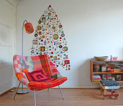 this year's tree (ATLITW) Tags: christmas xmas colour home wall vintage happy frames chair heart christmastree deer collection hart homedecor xmastree thrifted alternativechristmastree alltheluckintheworld janeschouten alternativexmastree