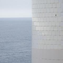 Faro de Laxe (JessM) Tags: sea espaa lighthouse faro mar nikon galicia d60 laxe