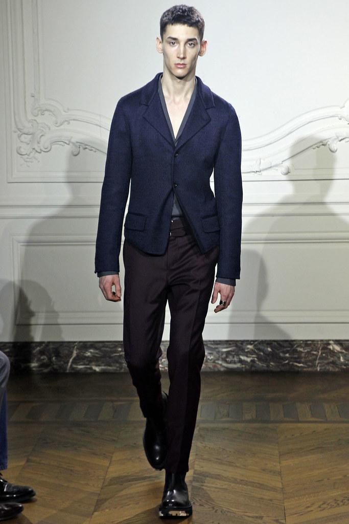 Andrey Smidl3002_FW11_Paris_Yves Saint Laurent(VOGUEcom)
