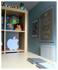 KEEP CALM and DRINK TEA (purplelime) Tags: ikea poster frame homeoffice iphone thesystemattic keepcalmanddrinktea applelamp