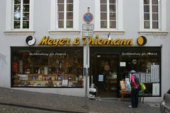 Meyer & Thiemann (Florian Hardwig) Tags: storefront lettering script yinandyang saarbrücken taijitu type:face=gilliesgothic
