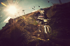 Downhill in the sun (Raphal Dupertuis) Tags: mountain alps bicycle sport montagne switzerland nikon suisse swiss downhill vtt vlo verbier descente 1424