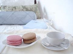 macarons na cama