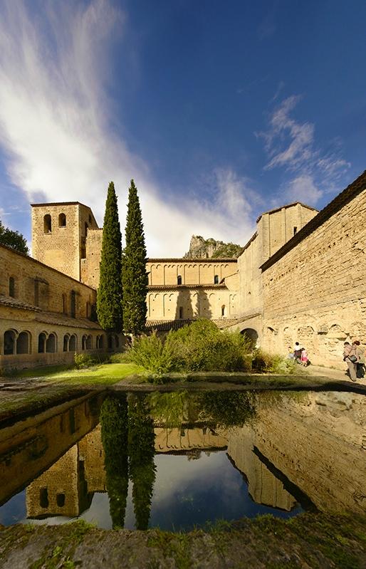 Abbaye_de_St_Guilhem_le_desert_by_manuamador