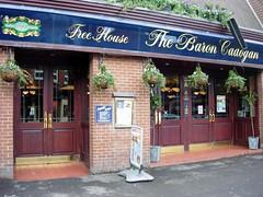 Caversham, Baron Cadogan (Dayoff171) Tags: beer pubs berkshire caversham wetherspoons publichouses gbg boozers gbg2006 baroncadogan
