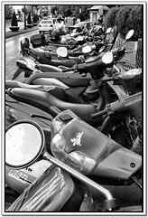 Scooters (Antonioski) Tags: blackandwhite bw blancoynegro lumix streetphotography bn panasonic granada scooters damncool blackwhitephotos tz3 bn052008
