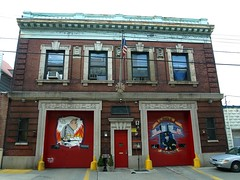 E062 FDNY Firehouse Engine 62 & Ladder 32, Olinville, Bronx, New York City (jag9889) Tags: county city nyc house ny newyork building station architecture truck fire bronx gang engine company borough ladder firehouse 2008 fdny 32 firefighters 62 bravest gunhill ladder32 e062 y2008 engine62 olinville jag9889