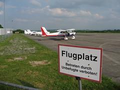 Flugplatz Eisenach-Kindel (25) (pilot_micha) Tags: germany deutschland thüringen airport edge flugplatz eisenach aerodrom elaeropuerto aérodrome verkehrslandeplatz campodeaviación behringen eisenachkindel elaeródromo
