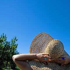 slhattur (nanna lind) Tags: blue portrait sky sun hat self square sq squared himinn blr selfiesquared slhattur