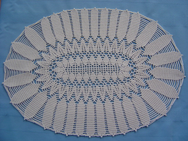 Donna's Crochet Designs Blog of Free Patterns: Beaded Oval Dolie