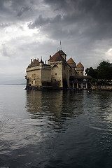 Chteau de Chillon (Pavel Vanik) Tags: lake castle clouds canon eos schweiz switzerland see suisse swiss sightseeing lac chateau svizzera schloss 30d vaud chateaudechillon genfersee chilloncastle waadt 1755is colorphotoaward lake lac lman genve