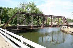 Jamestown, NY (nick-m) Tags: bridge usa ny canon river 5d empirestate canon5d newyorkstate dslr brcke fluss 2008 jamestown nys spiegelreflex spiegelreflexkamera chautauquacounty