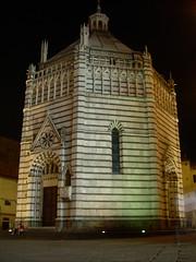 ..::Battistero in notturna::.. (Giulietta87) Tags: toscana battistero notturna fantasma pistoia italiane piazzadelduomo piazze piazzeitaliane