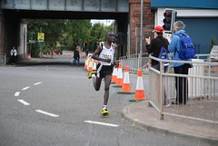 Race winner Emmanuel Mutai at mile 11