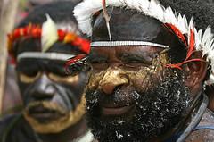 Baliem Festival 2008 (Bertrand Linet) Tags: portrait indonesia tribes papua westpapua baliem koteka irianjaya wamena papuan baliemfestival bertrandlinet