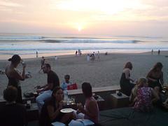 Sunset di KU DE TA