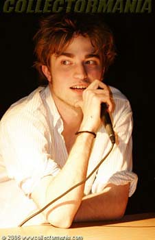 Robert Pattinson by rrobertpattinson.