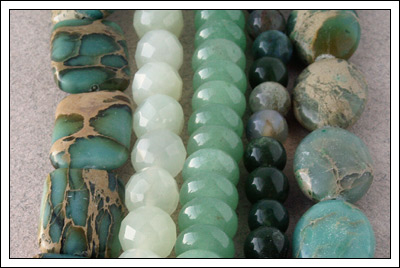 Gemstone strands (green)